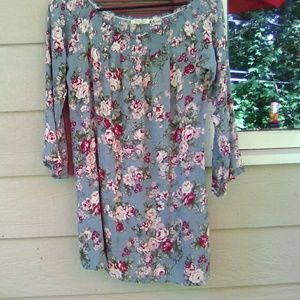 Floral Top Size L BEAUTIFUL CONDITION